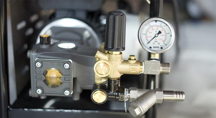 组装高压清洗机的主要部件及工作原理