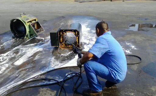 亿力高压清洗机的操作方法
