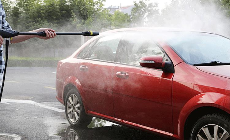 使用高压水枪洗车时的注意事项